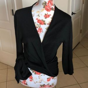DKNY tie top in great condition